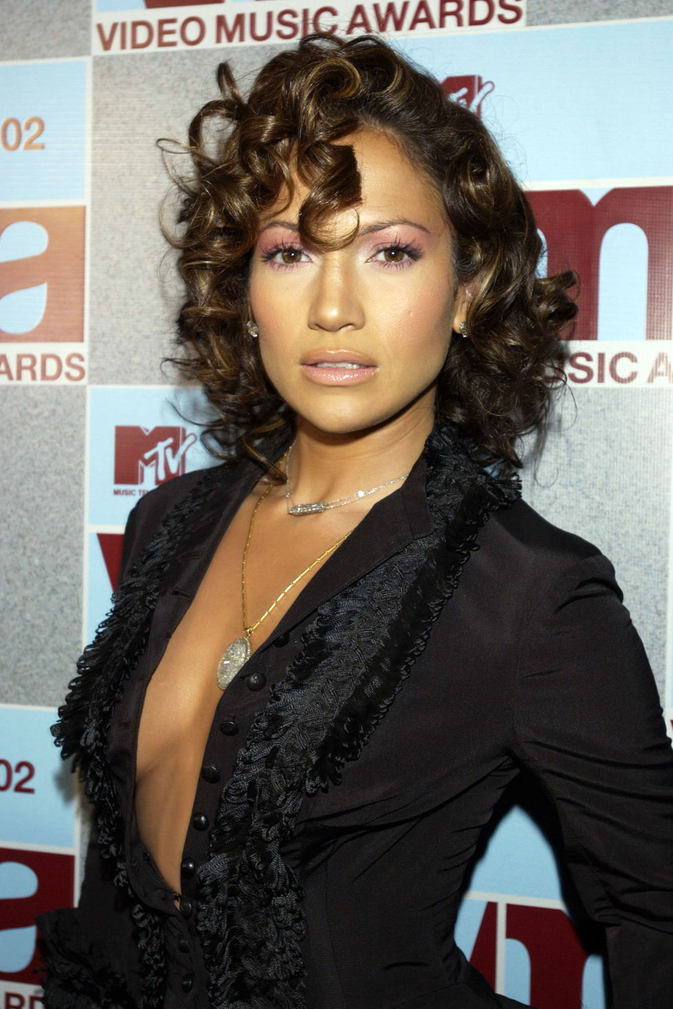 Fine Jennifer Lopez39S Hair And Beauty Looks Pictures Of J Lo39S Short Hairstyles Gunalazisus
