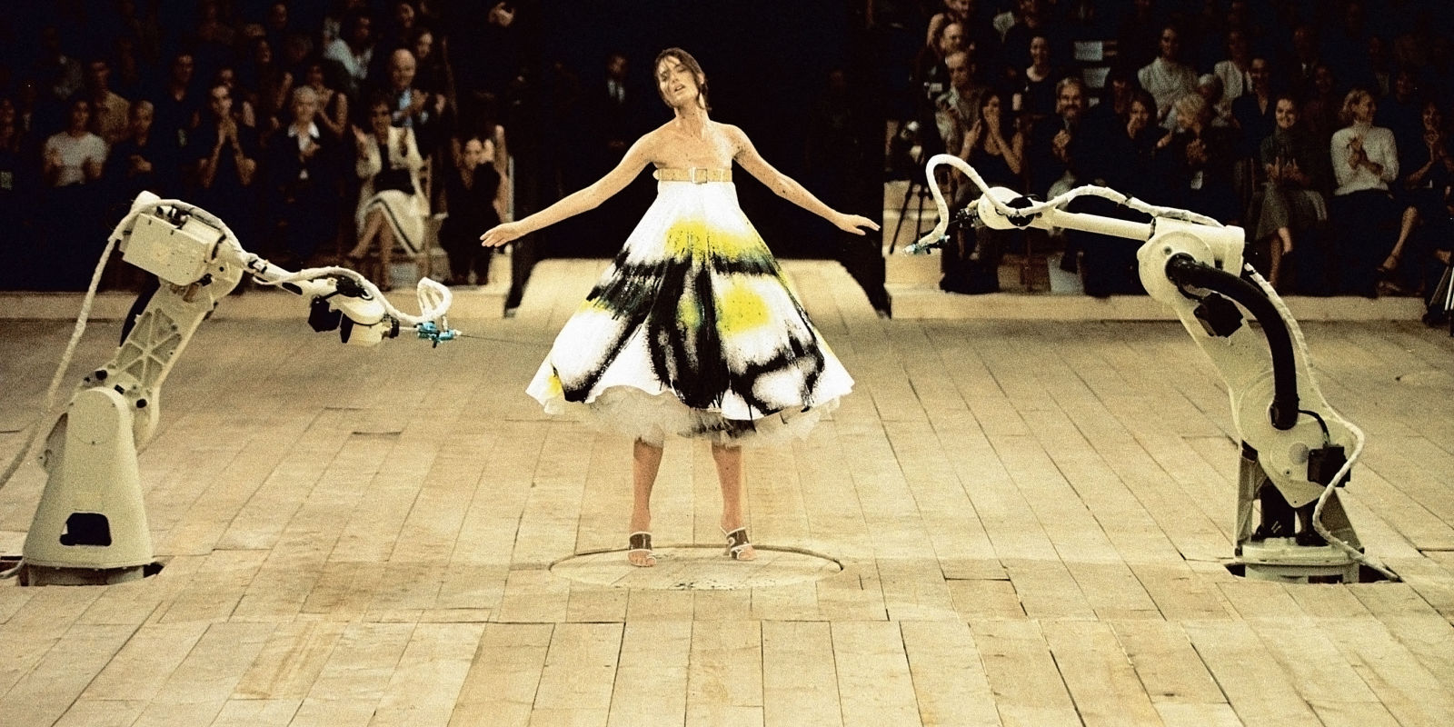 Alexander mcqueen s best runway shows of all time for Runway fashion show video