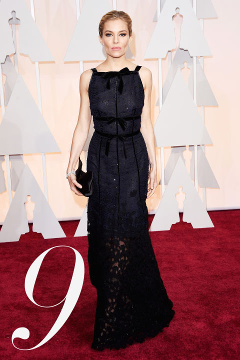 Peter Copping chose his muse carefully, tapping the gorgeous Sienna Miller for his first red carpet moment for the house of&amp;nbsp;Oscar de la Renta. The late&amp;nbsp;de la Renta was revered for his glamour and Copping gave a modern take on that with&amp;nbsp;Miller's&amp;nbsp;subdued lace confection.&amp;nbsp;<br />
