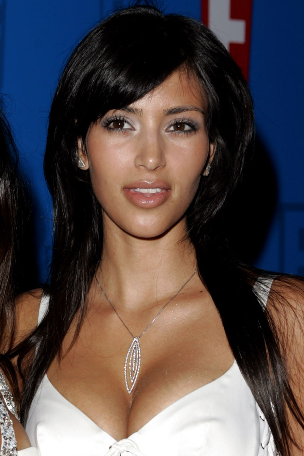 Kim Kardashian's Makeup and Hairstyles - Pictures of Kim ... Kim Kardashian