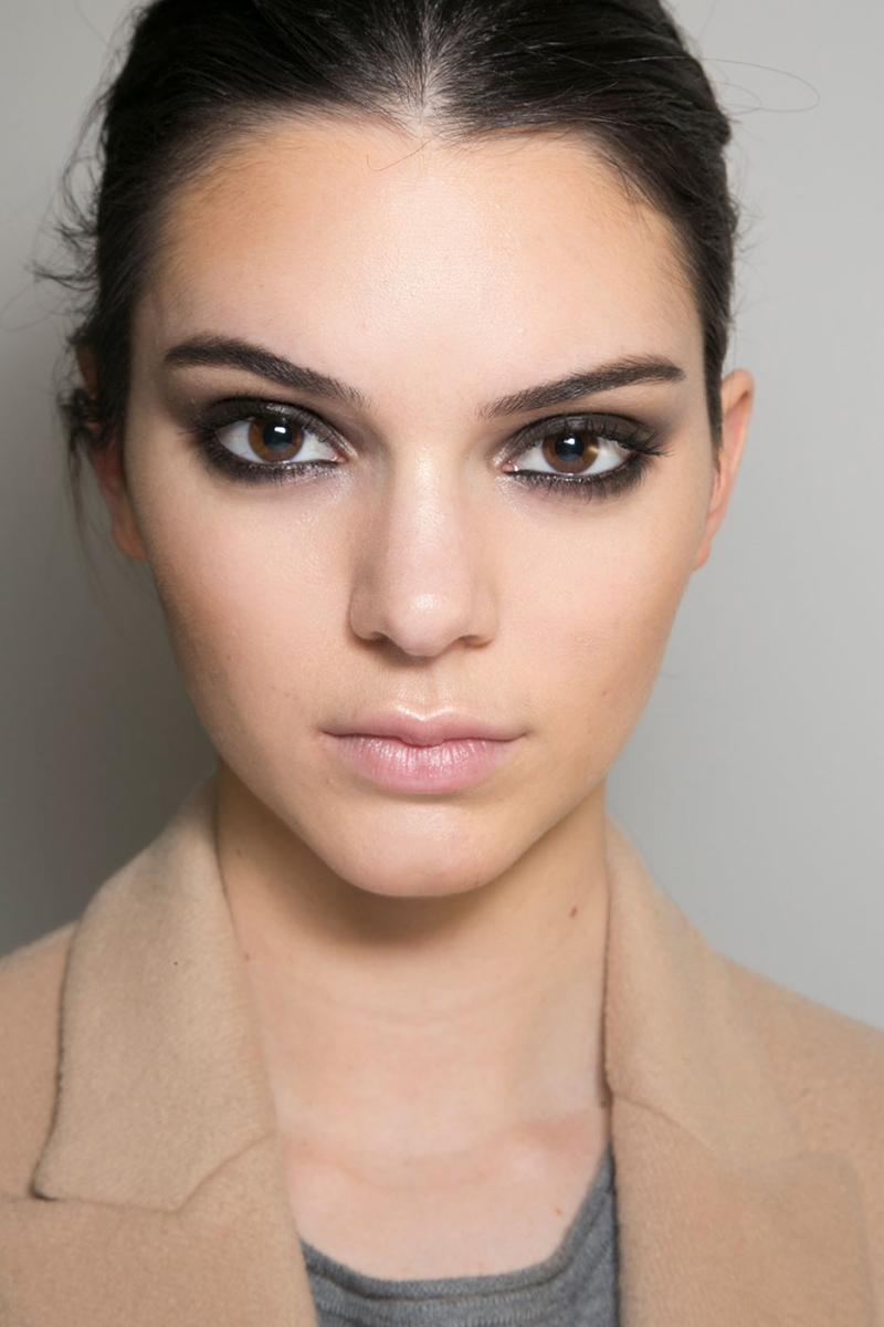 latest runway makeup trends mugeek vidalondon. Black Bedroom Furniture Sets. Home Design Ideas