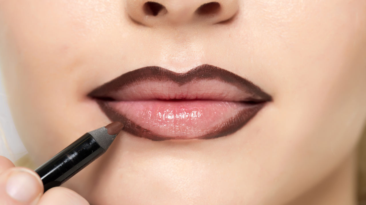 Marilyn Monroe's Crazy Lip-Contouring Trick 1429203767-syn-21-1429118155-mcx-lips-1