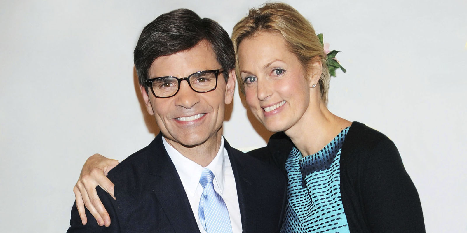 Ali wentworth talks new book inspiration from lena dunham and husband