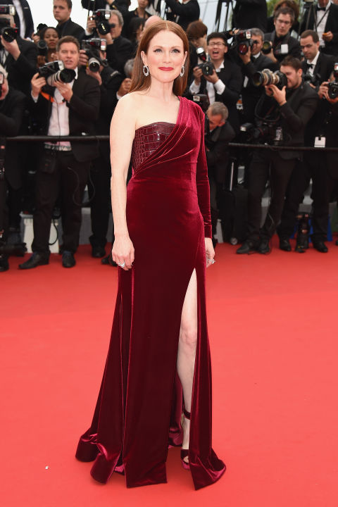 Julianne Moore in Givenchy Couture and Chopard jewels.