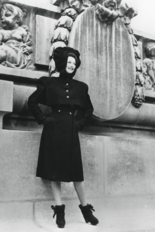20 vintage paris street style photos vintage street style fashion. Black Bedroom Furniture Sets. Home Design Ideas
