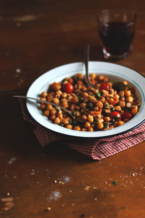 For a satisfying crunch, chickpeas should be toward the top of your snack list, because they're loaded with fiber and protein. A 2014 study states that eating pulses — a specific family of legumes that includes chickpeas, beans, peas, and lentils — can prevent overeating and help keep weight regulated. Roast some soaked chickpeas at 375 degrees for 40 minutes, and add about 3 tablespoons oil and your favorite spices for a taste-bud-customized, crunchy snack, says Lenchewski.<br />