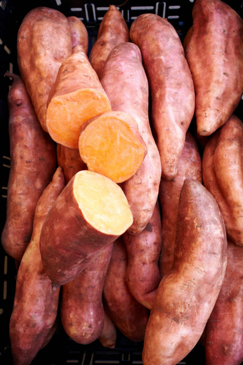 Keep a couple of these orange root vegetables in your pantry for when you want to satisfy your carb craving and sweet tooth (OK — so it's no candy bar, but c'mon). A medium-size sweet potato contains about 27 grams of carbs, but they've been shown to increase levels of adiponectin, a hormone that regulates blood sugar, and in turn helps encourage a faster metabolism. They're also fat-free and have fewer calories and sodium than white potatoes.<br />