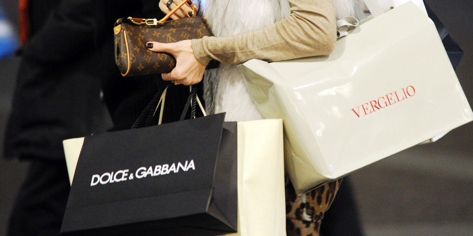 essay shopping addiction