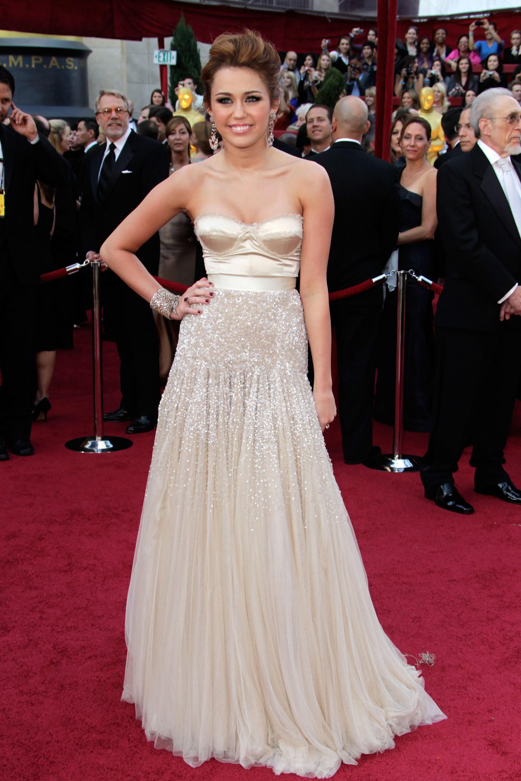 Miley Cyrus Style Transformation - Miley Cyrus Red Carpet Photos