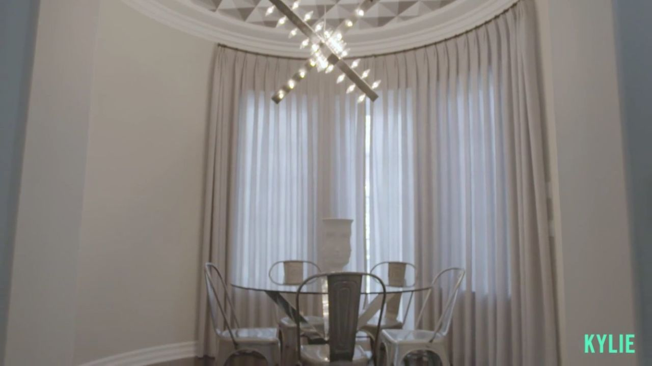 Interior Design Review Kylie Jenner S Mansion Interior