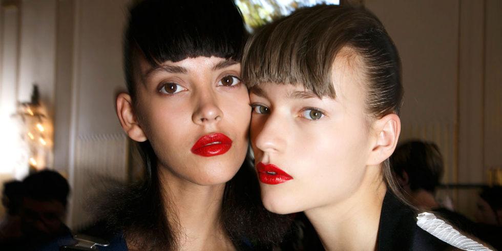 Красные губы причины
