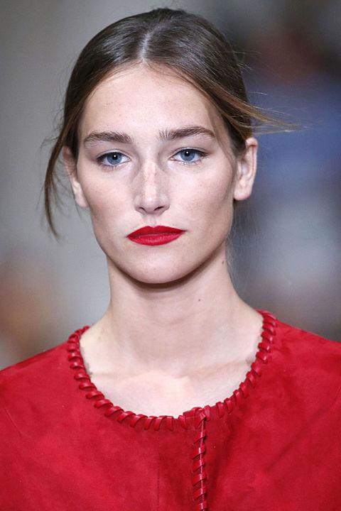 The best makeup trends for spring 2016 backstage beauty - Schminktipps mac ...