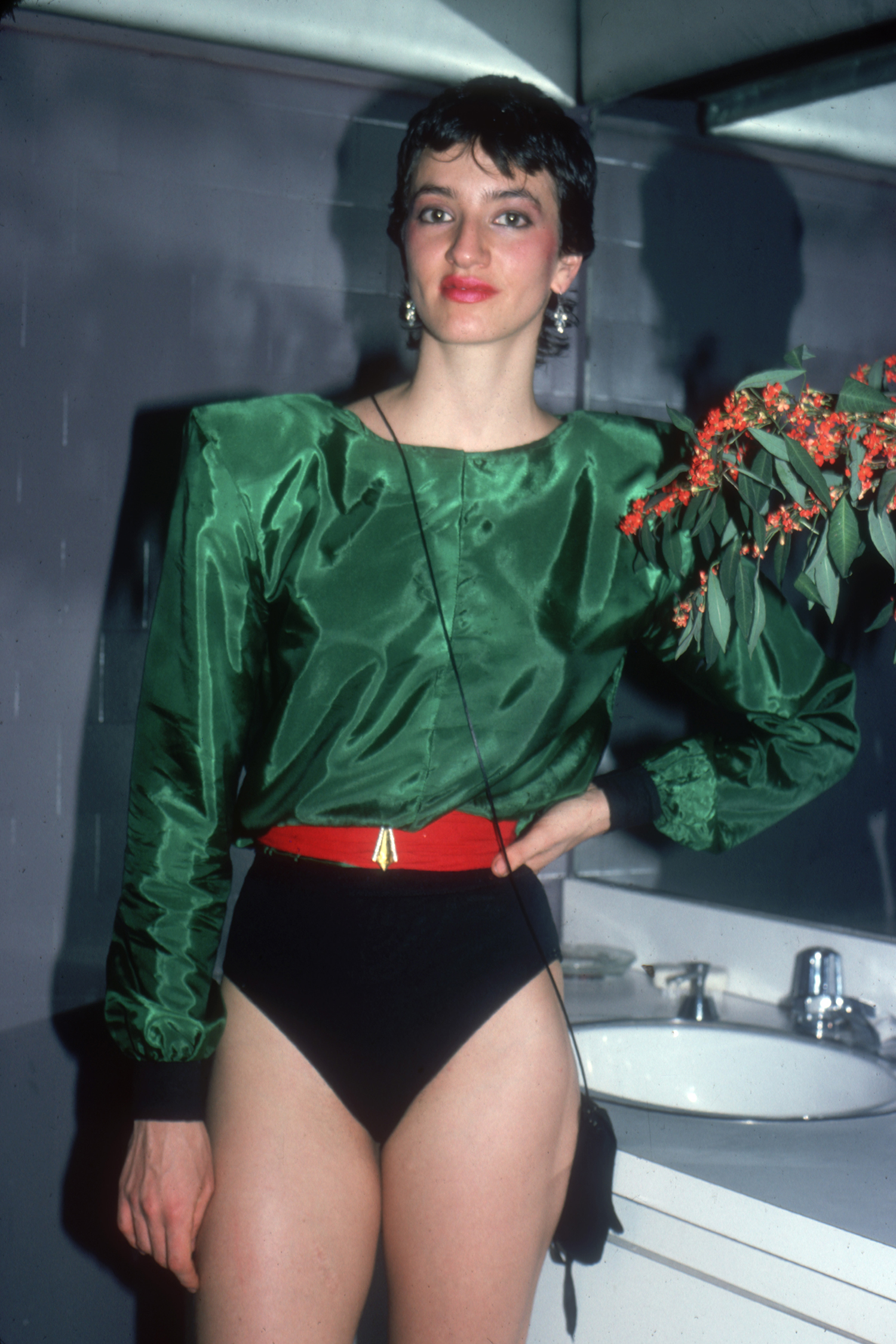 80s Vintage Clothing In The Uk Just Got Easier: Vintage 80s Fashion Photos