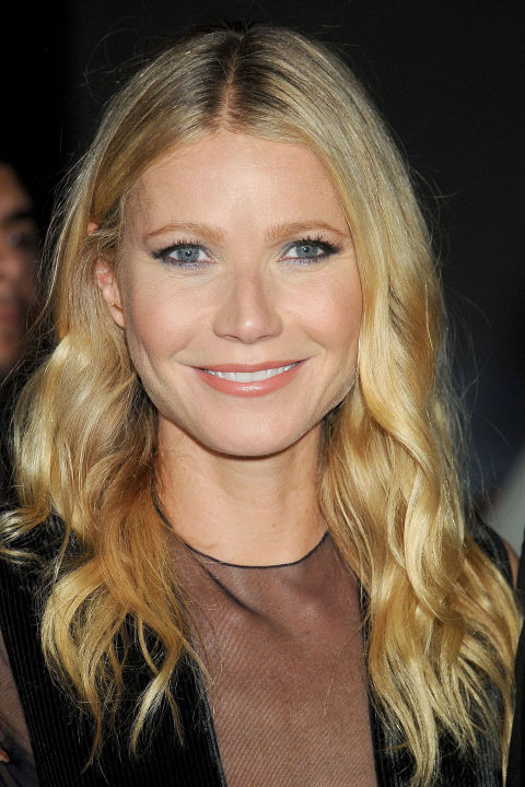Paltrow's signature even-length, chest-level cut looks just as classic and clean whether it's parted to the center or the side and styled straight or wavy.
