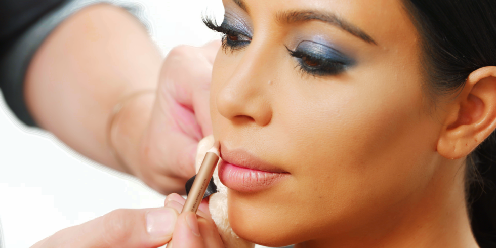 Articles on makeup and beauty