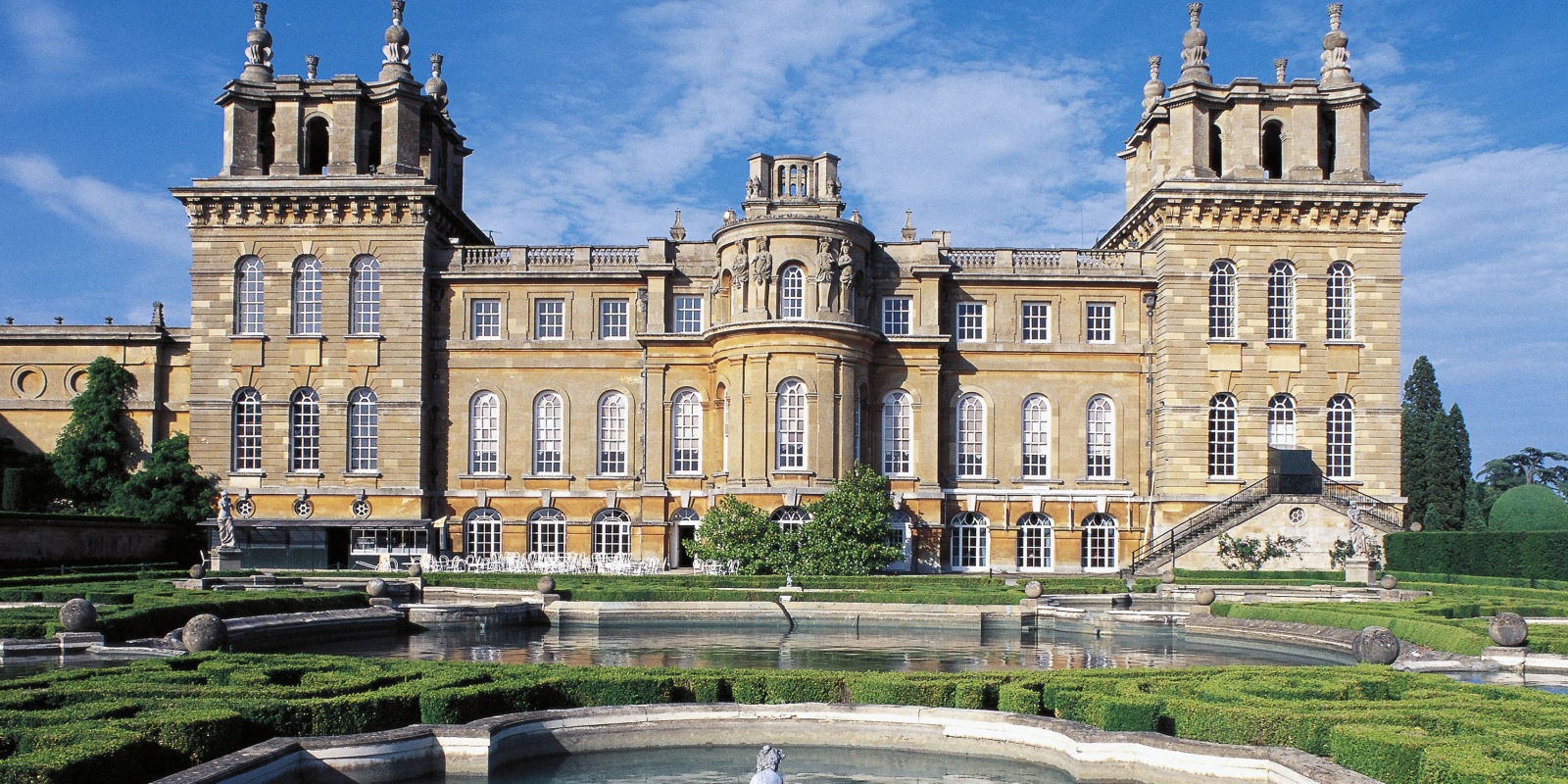 Christian Dior Returns To Blenheim Palace For Cruise 2017 Show