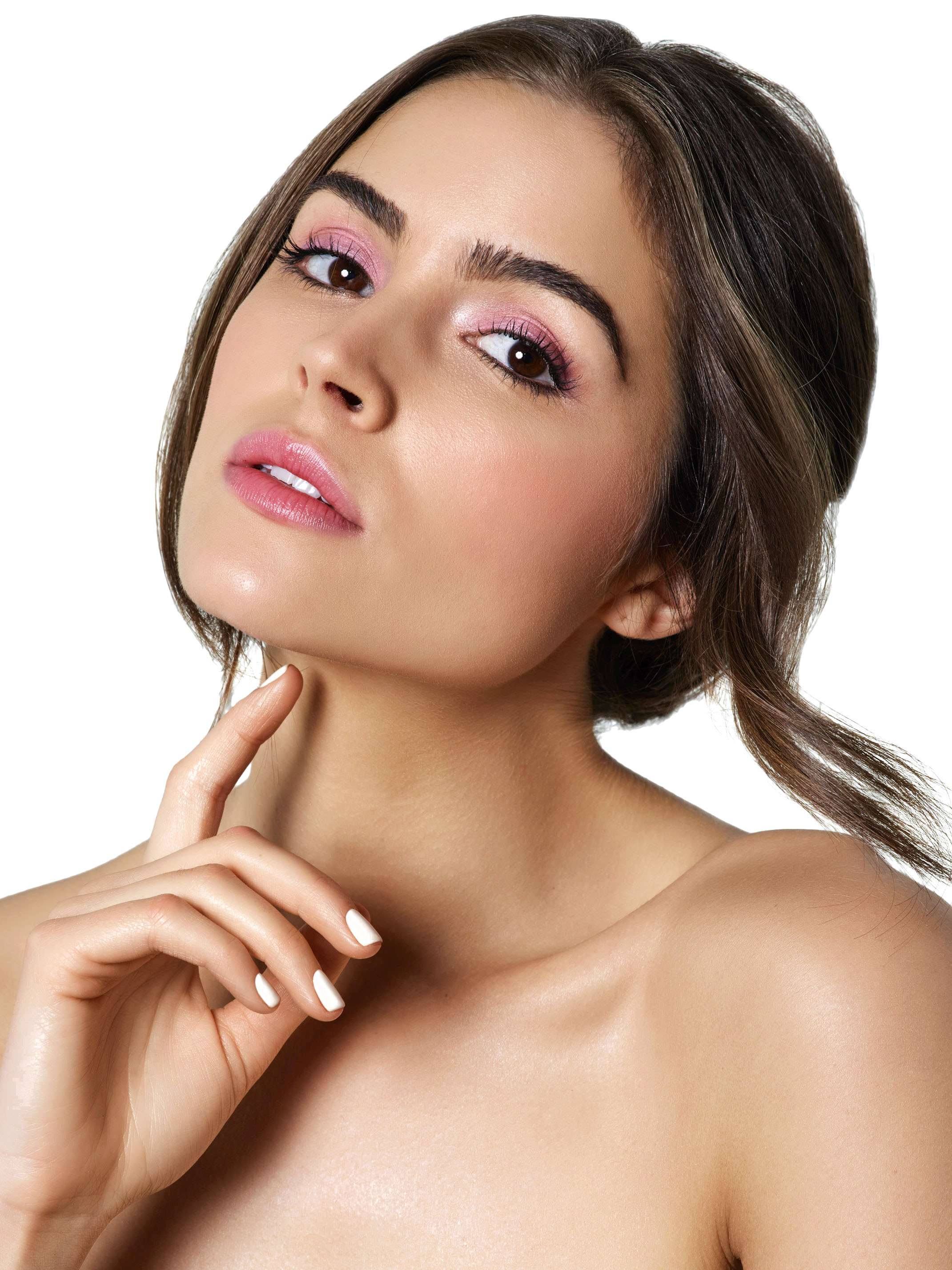 Five Makeup Tips From A Pro Makeup Artist: Olivia Culpo Wears The Five Best Makeup Trends For Spring