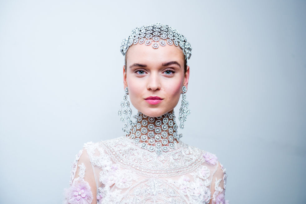 A full headpiece of crystals at Naeem Khan (made from one of the collection's bib necklaces!) was an au courant rendition of the 20's-inspired Juliet cap.