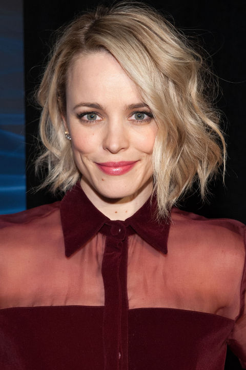 To achieve Rachel McAdams' chin-length style, wrap random pieces of hair around a curling rod.<br />