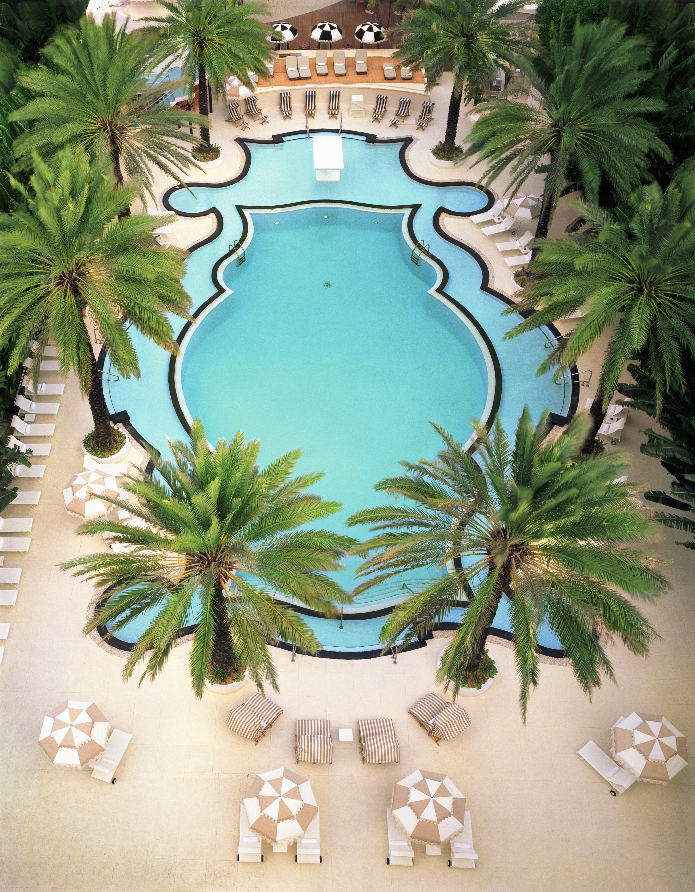 18 Of The World's Most Amazing Hotels With Pools