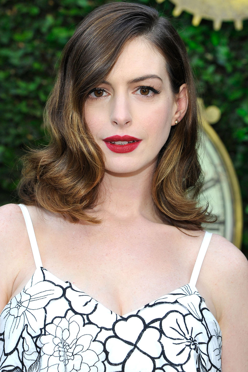 Remarkable 33 Best Medium Hairstyles Celebrities With Shoulder Length Haircuts Short Hairstyles Gunalazisus