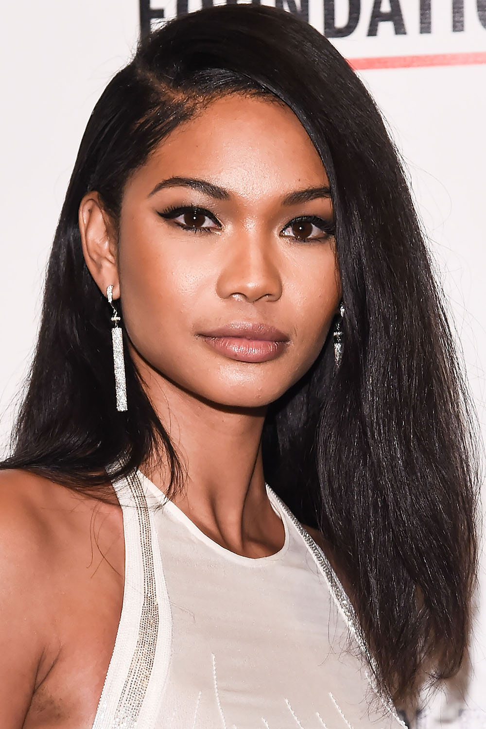 Awesome 33 Best Medium Hairstyles Celebrities With Shoulder Length Haircuts Short Hairstyles For Black Women Fulllsitofus