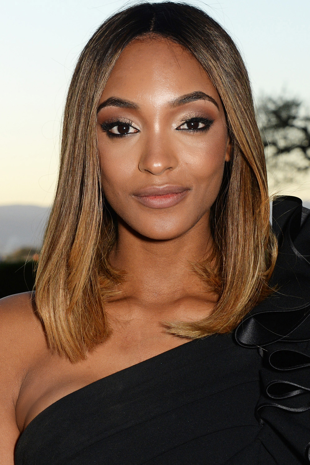 Superb 33 Best Medium Hairstyles Celebrities With Shoulder Length Haircuts Short Hairstyles For Black Women Fulllsitofus