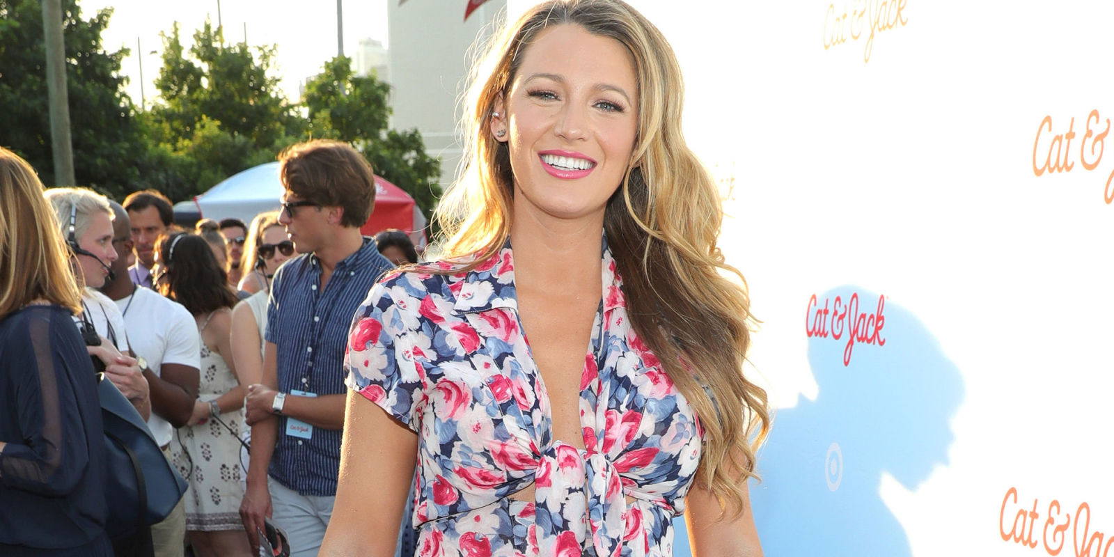 Fashion Picture: Blake Lively Pregnancy Style