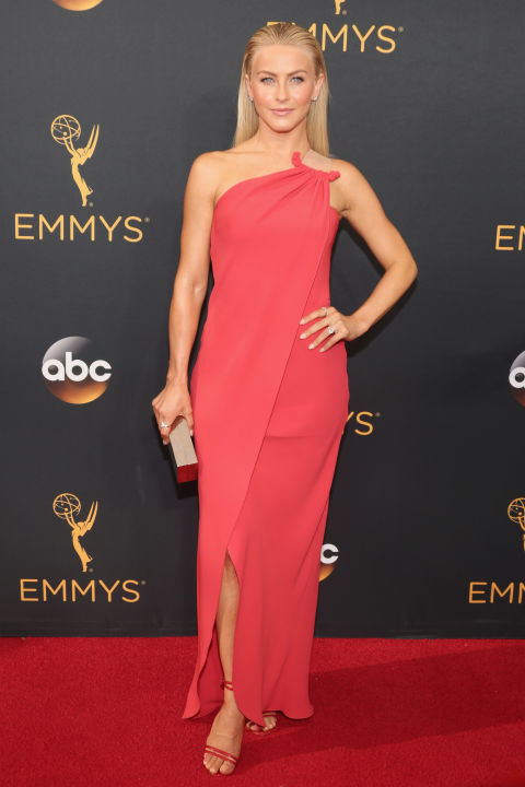 Julianne Hough in Simon G. jewelry