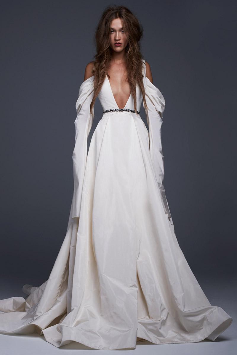 17 vera wang fall 2017 wedding dresses see entire vera for Vera wang wedding dresses outlet
