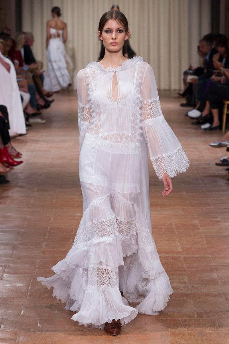 Весільні сукні весна-літо 2017  7 трендів сезону (фото) - Жіночий журнал  TerraWoman.UA c047ab02c6042