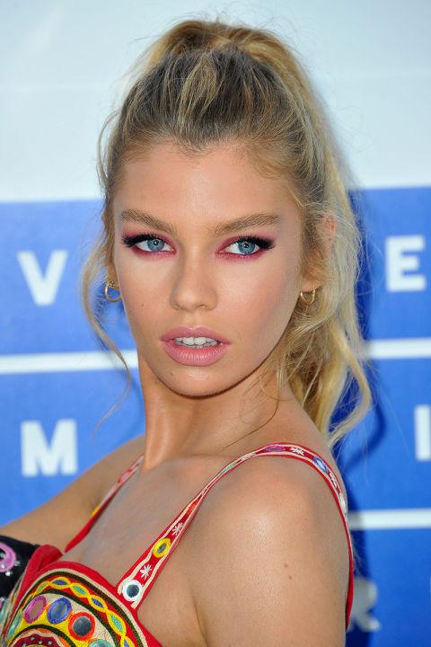 Celebrities With Colorful Eyeshadow Bright Eye Makeup