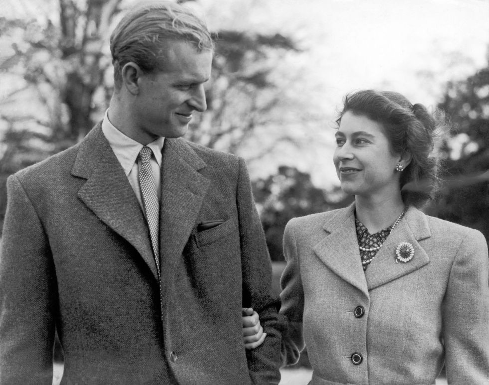 queen elizabeth and prince phillip age difference in relationship
