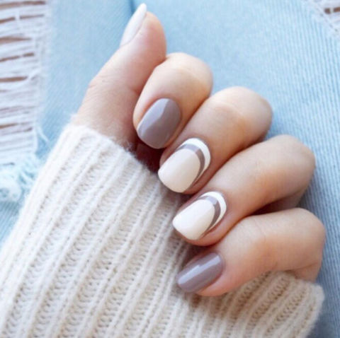 Two-toned nude arches are the nail equivalent of the cozy cashmere sweater you want to wear every day.@jennahipp