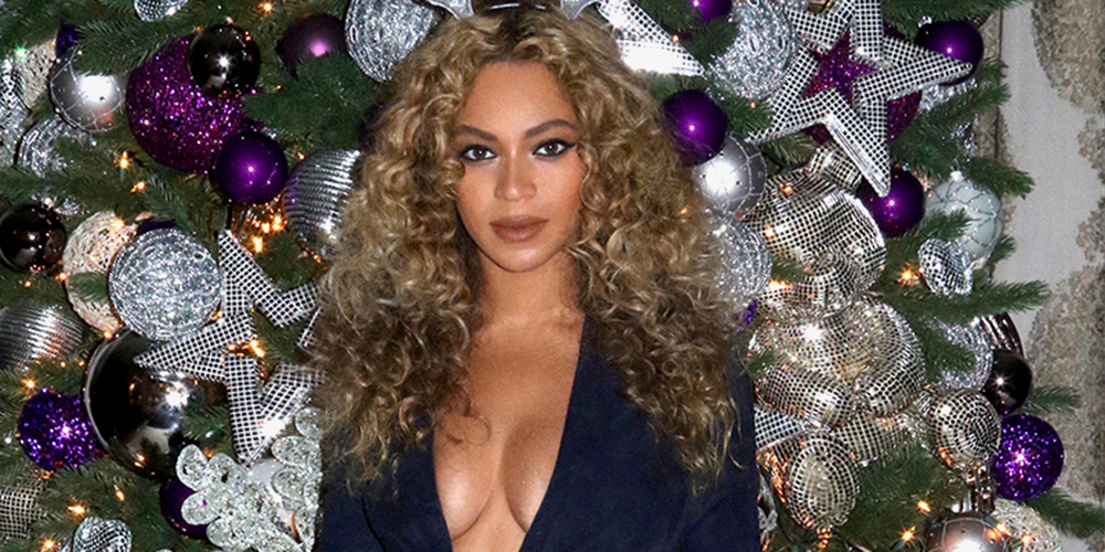 Beyonc 233 Shows Off Her Many Christmas Trees On Instagram