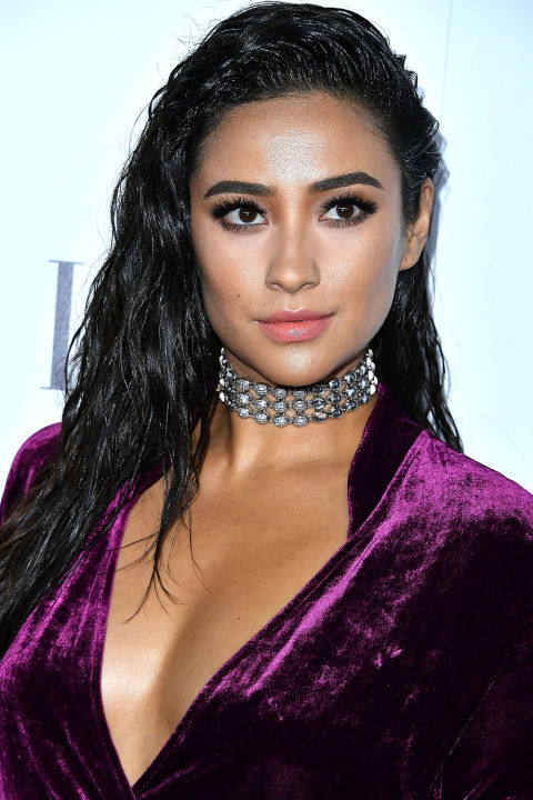 hbz hair trends 2017 shay mitchell gettyimages 617960458 8 HAIR TRENDS YOULL SEE EVERYWHERE IN 2017