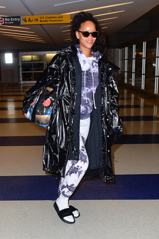 Rihanna 39 S Best Street Style Rihanna 39 S Best Looks