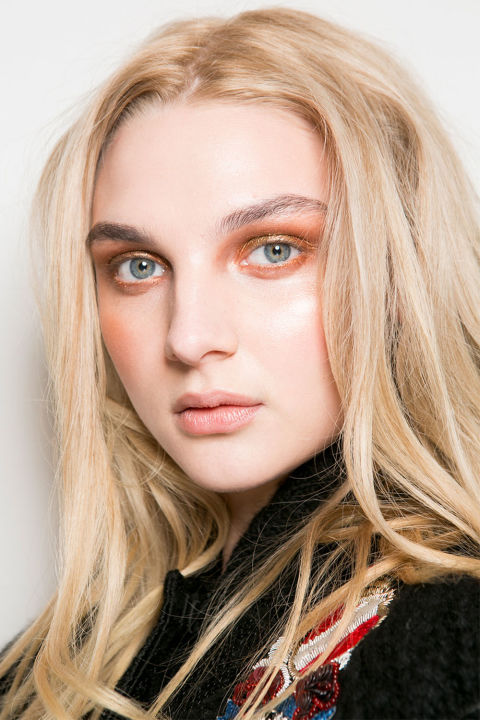 A copper smoky eye backstage at Les Copains.