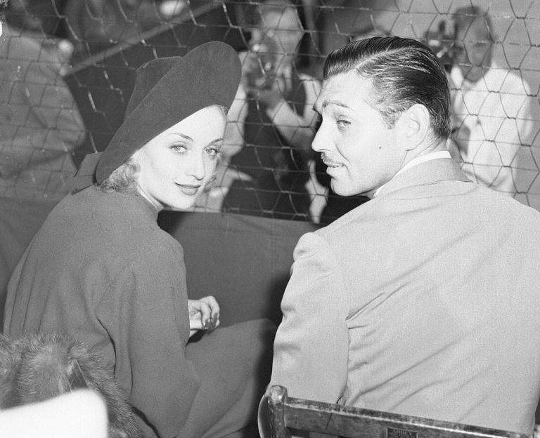 Carole Lombard and Clarke Gable at the Los Angeles Tennis Club in 1937