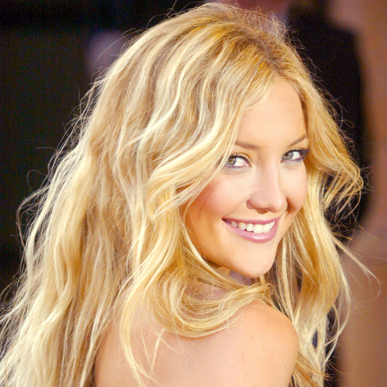 how to get wavy hair 4 steps to sexy wavy hair