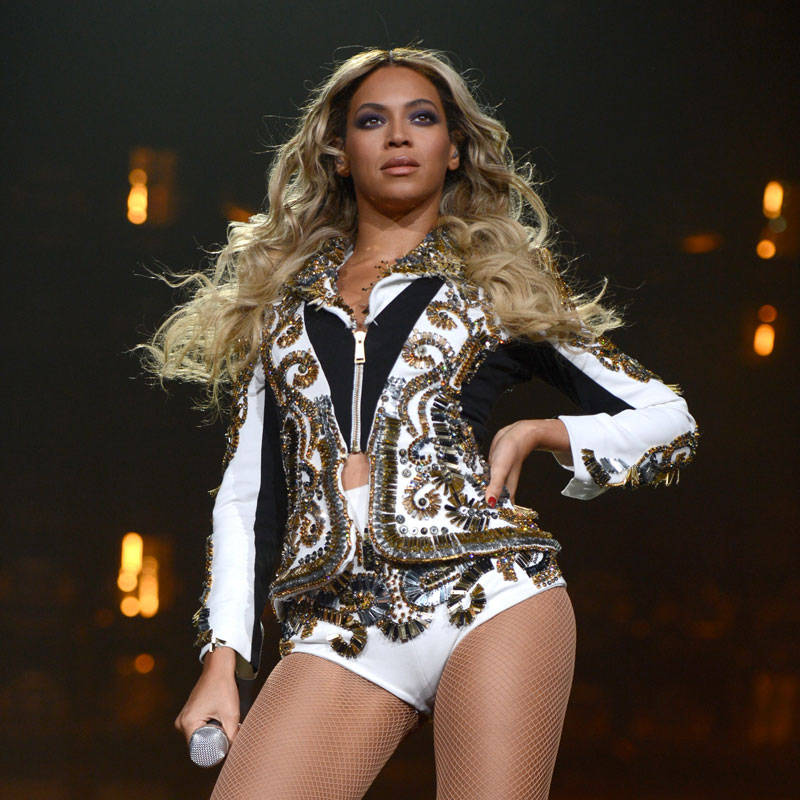 Versace Designs Beyonce S Mrs Carter World Tour Costumes