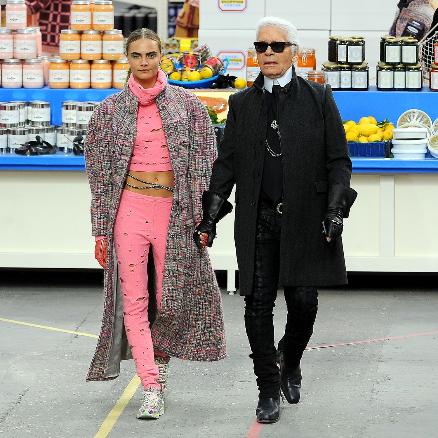 chanel stages grocery store show karl lagerfeld 39 s. Black Bedroom Furniture Sets. Home Design Ideas