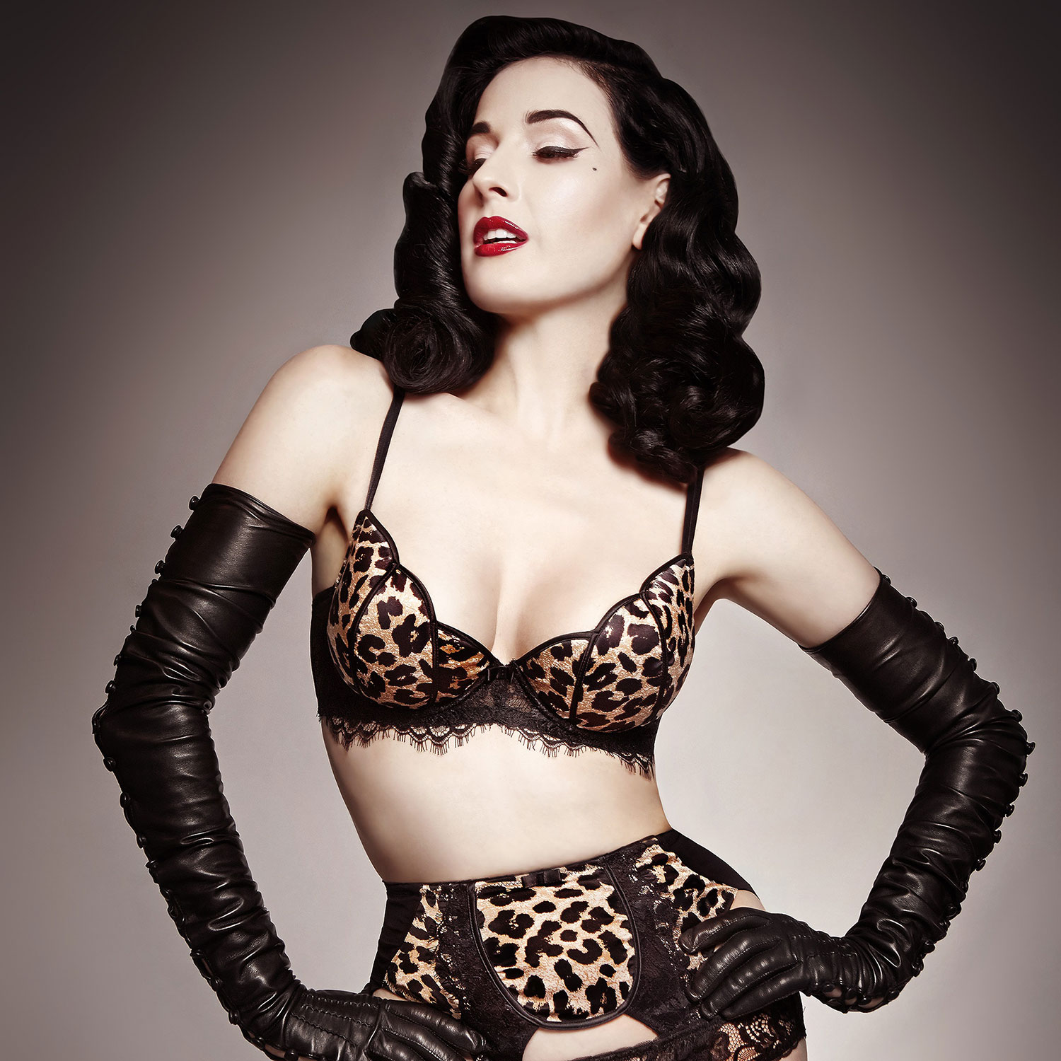 How to Feel Sexy – Dita Von Teese Tips on Feeling Sexy Dita Von Teese