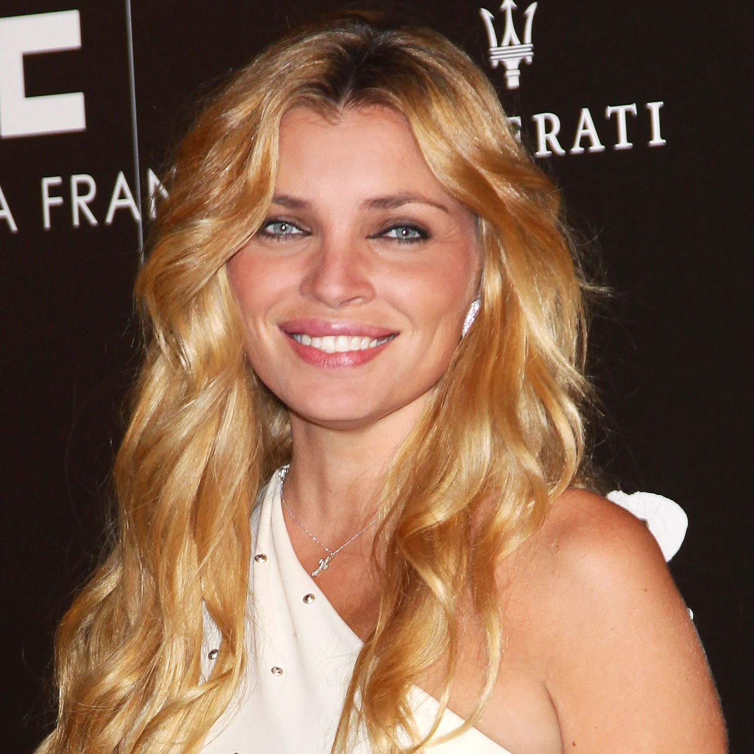 Supermodel Esther Canadas Sued For Engagement Ring