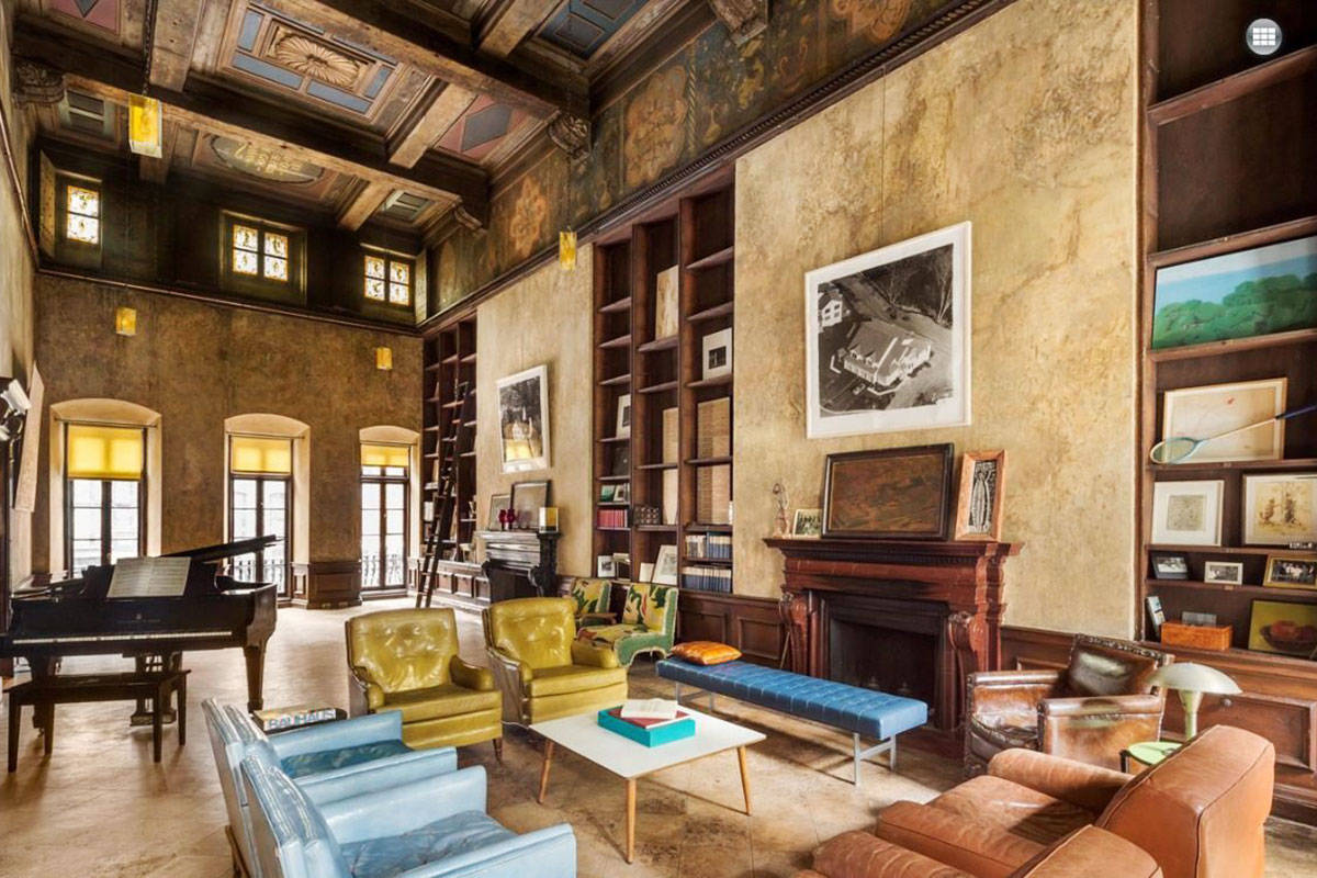 See inside mary kate olsen 39 s new apartment photos of for Nyc townhouse with garage