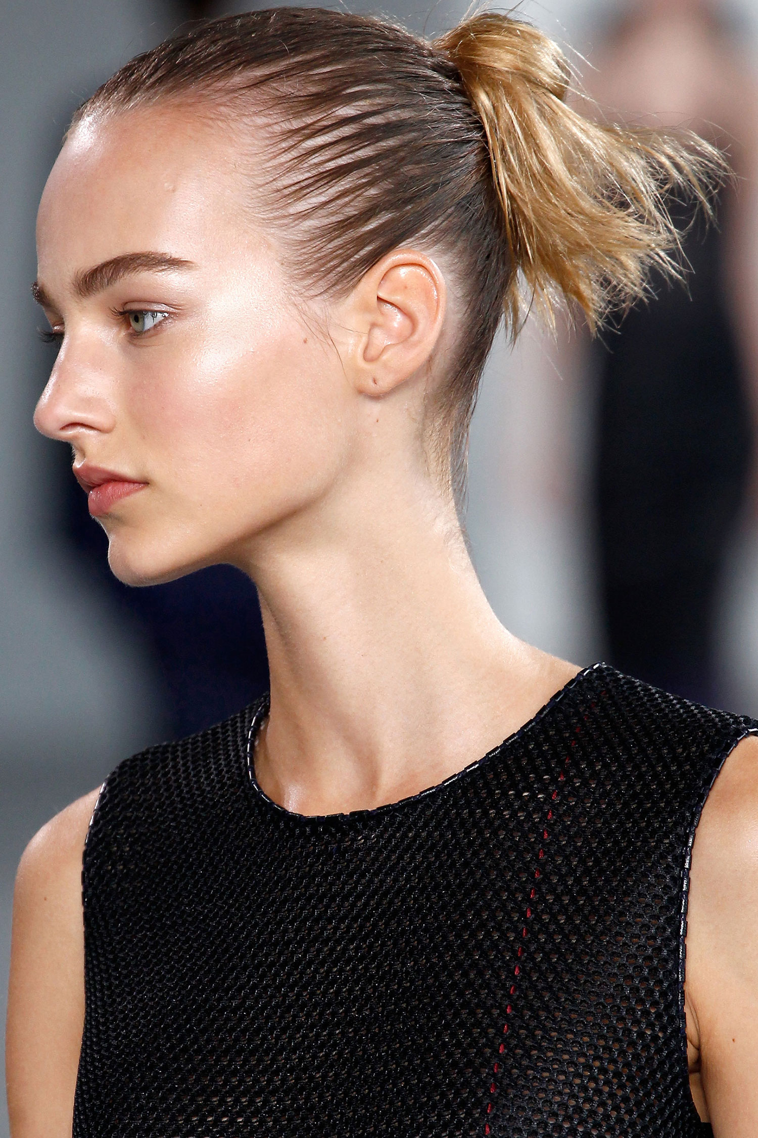 spring 2015 runway beauty hair makeup and nails from new york fashion week spring 2015. Black Bedroom Furniture Sets. Home Design Ideas