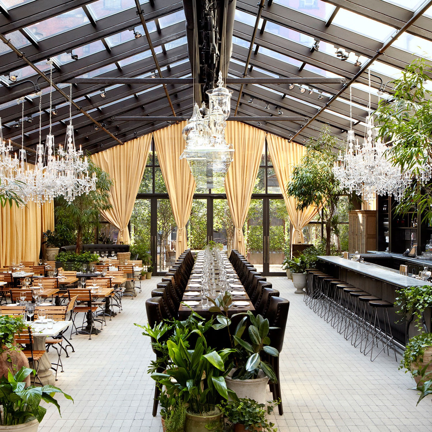 New york 39 s chicest garden restaurants best restaurants for Indoor gardening nyc