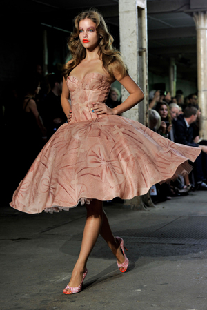 Giles deacon spring 2011 dresses for Giles deacon wedding dresses