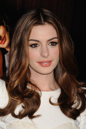 anne hathaway hair color 2014 beauty how to anne hathaway