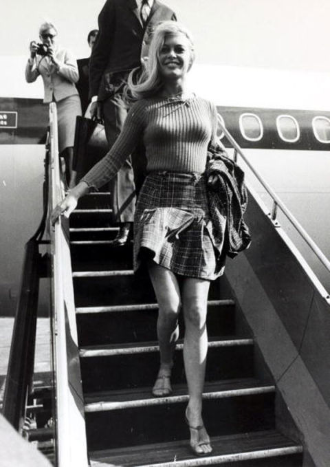 Mini Skirt Fashion – Photos of Iconic Mini Skirts